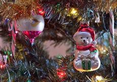 Teddybär, der heraus für Sankt aufpasst Lizenzfreies Stockbild
