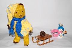 Teddybär Morulet zum Toboggan Lizenzfreies Stockfoto