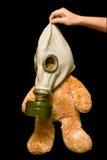 Teddybeer in een gasmasker Stock Afbeelding
