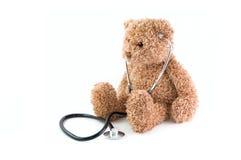 Teddybeer en stethoscoop. Royalty-vrije Stock Afbeeldingen