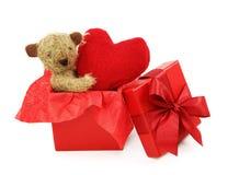 Teddybeer met hart royalty-vrije stock foto's