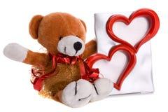 Teddybeer met twee geïsoleerdee hartvorm Stock Fotografie