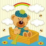 Teddybeer op boot Stock Afbeelding