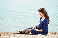 Tedere zwangere vrouw Royalty-vrije Stock Afbeeldingen