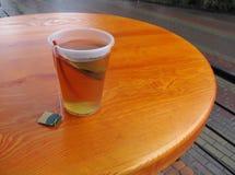 Tee auf der Tabelle Stockfoto