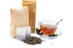 Tee auf weißem Hintergrund Lizenzfreies Stockbild