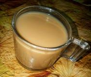 Tee in der Teeschale lizenzfreie stockbilder