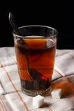 Tee in einem Glas stockfotografie