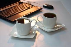 Tee im Büro Lizenzfreies Stockbild