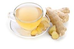 Tee mit Ingwerwurzel Stockfoto