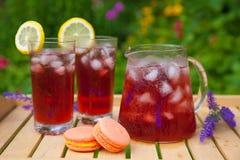 Tee mit Zitrusfruchtlavendel Stockbilder