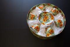 Tee-Satz im runden Kasten Stockfoto
