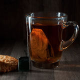 Tee, Schwarzes, klassisch lizenzfreies stockbild