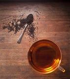 Tee-Teetasse-Holz-Hintergrund Stockbilder