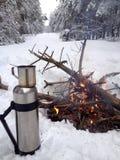 Tee und Feuer Stockfotos