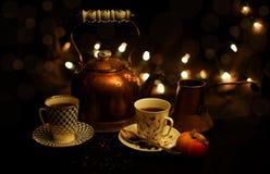 Tee und Kaffeekränzchen Stockfoto