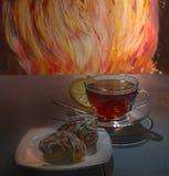 Tee und Keks lizenzfreie stockfotos