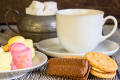 Tee und Kuchen Lizenzfreies Stockbild