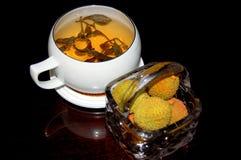 Tee und Litschi Lizenzfreie Stockbilder