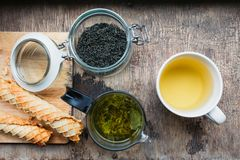 Tee und Oblate Stockfoto