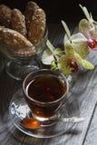 Tee und Orchidee Stockbilder