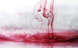Tee vom arabischen Hibiscus Tee der sudanischen rosesIn traditionellen Medizin benutzt als Bluthochdruckgegenmittel, Spasmolyticf Lizenzfreies Stockbild