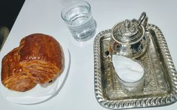 Teekanne als zwei Sätze lizenzfreie stockfotos