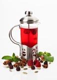 Teekanne mit Tee lizenzfreie stockbilder