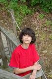 teen barn för redshirt Royaltyfri Fotografi