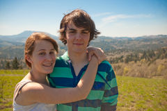 Teen couple hugging Royalty Free Stock Images