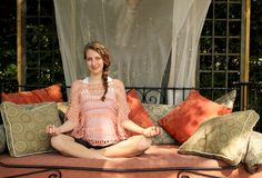 Teen doing yoga Royalty Free Stock Photos