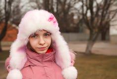 Teen flicka som utomhus blir Royaltyfri Foto