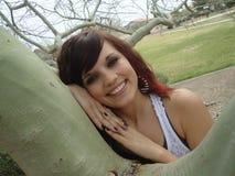 Teen flicka utanför Fotografering för Bildbyråer