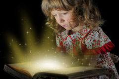 Teen girl reading the Book. Royalty Free Stock Photos