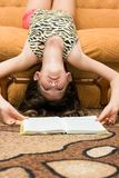Teen girl reading book Royalty Free Stock Photography