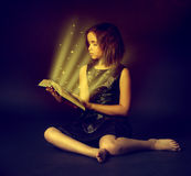 Teen girl reading the Book. Education Royalty Free Stock Photos