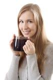 teen leende för flicka för kaffekopp royaltyfria bilder