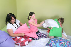 Teen pillow fight Royalty Free Stock Photos
