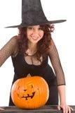 teen sniden pumpa för flickahalloween hatt Arkivbild
