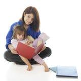 Teen Volunteer Reader Royalty Free Stock Images