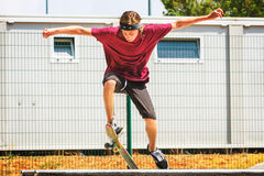 Teenage boy with skateboard Royalty Free Stock Photography