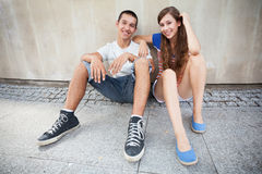 Teenage couple smiling Royalty Free Stock Photos