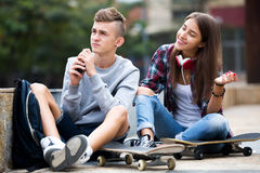 Teenage friends making things up after quarrel Royalty Free Stock Photos