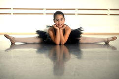 Teenage girl ballet dancer in a split Stock Images