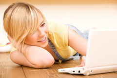 Teenage girl with laptop computer Royalty Free Stock Photos
