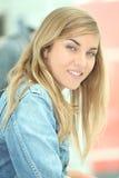 Teenage girl smiling Royalty Free Stock Photography