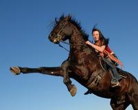 Teenager e stallion Immagini Stock Libere da Diritti