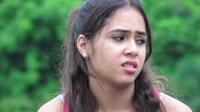 Teenager femminile apatico disgustato video d archivio