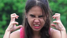 Teenager femminile arrabbiato archivi video