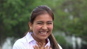 Teenager femminile emozionante felice di Latina archivi video